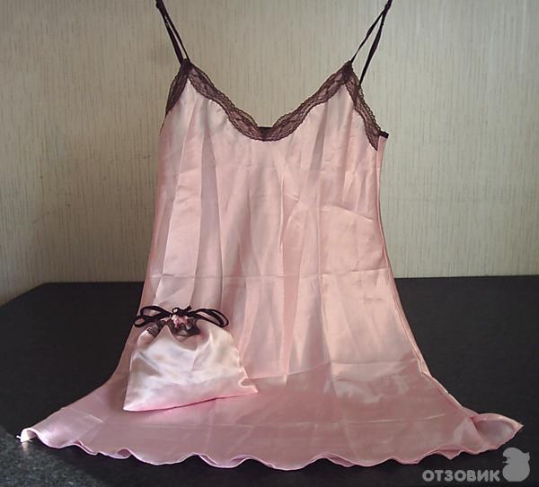 Ночная рубашка и атласный мешочек к ней.  Неплохая обработка швов, к...